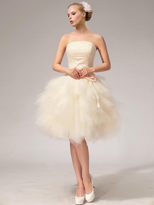 new style 05ed1 e6bef Una nuova collezione di abiti da sposa per un matrimonio ...