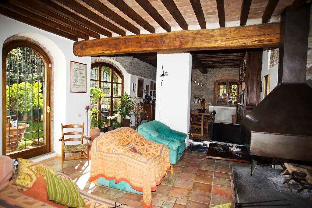 Case Di Legno E Mattoni : Splendida villa in vendita in pietra e mattoni ad ameglia liguria
