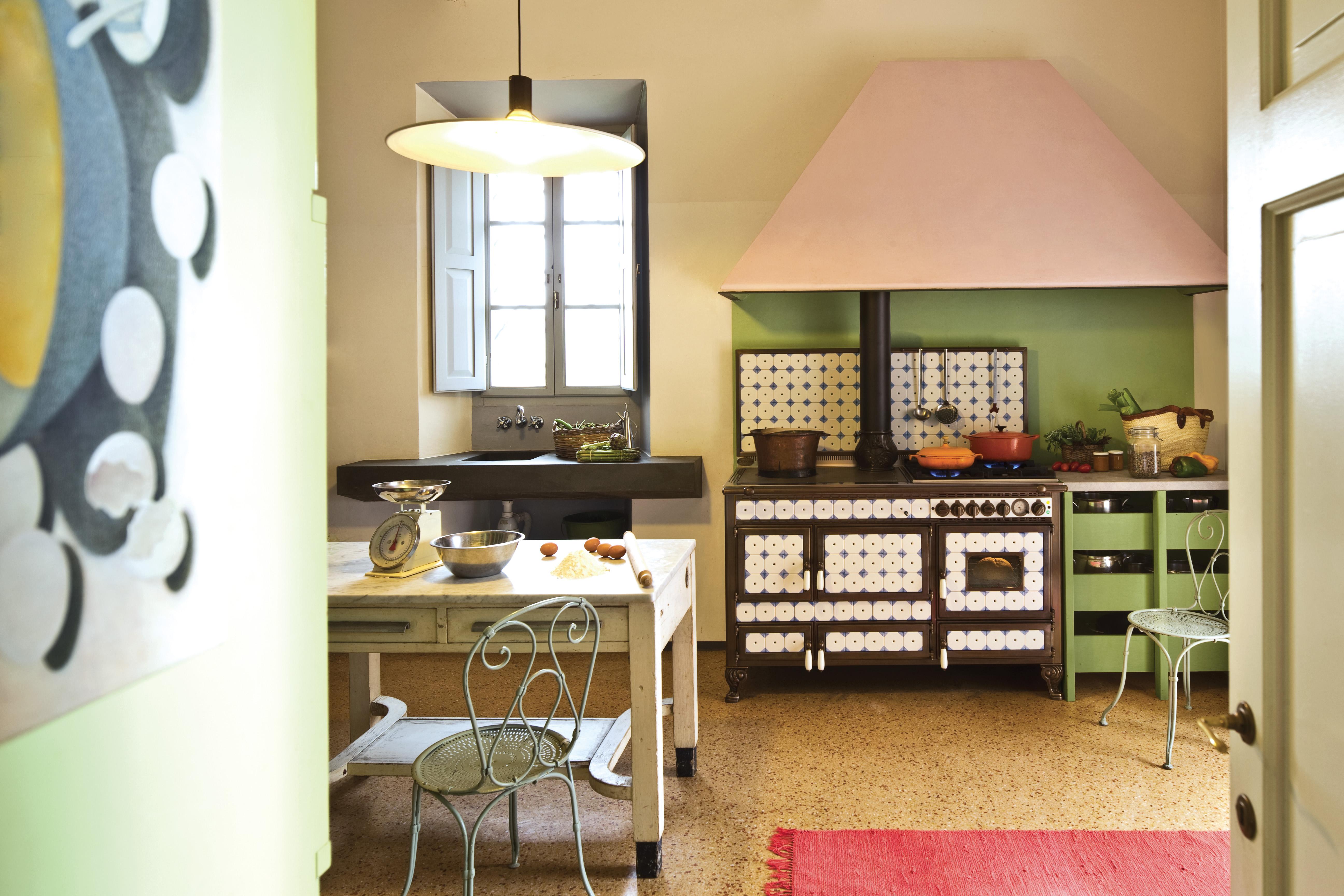 Il fascino senza tempo della ceramica: le cucine a legna e combinate ...