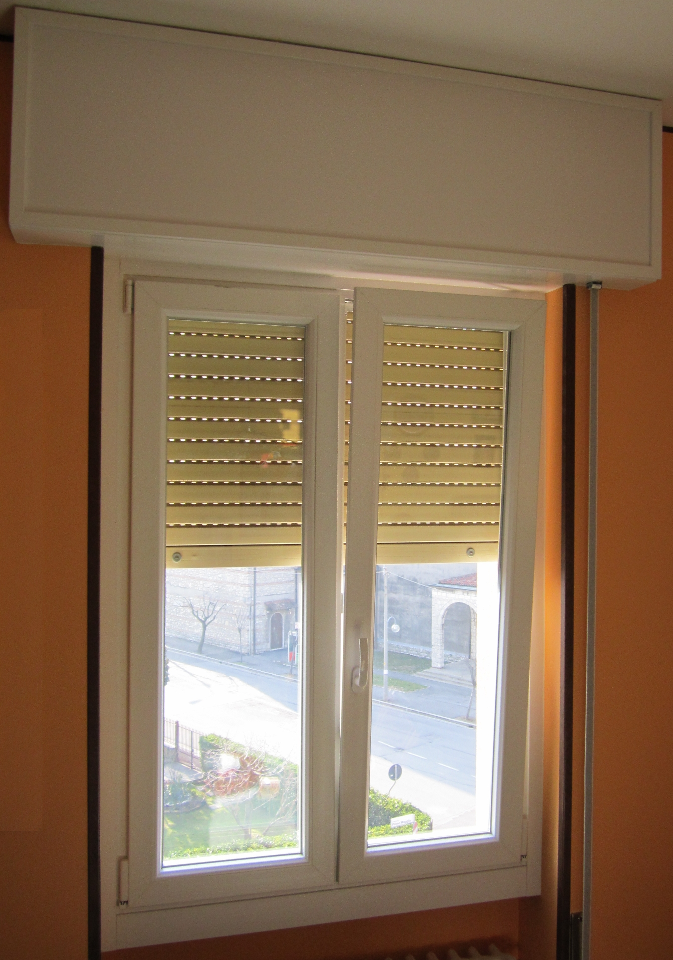 V8 serramenti porte brescia infissi e finestre in pvc for Finestre in pvc