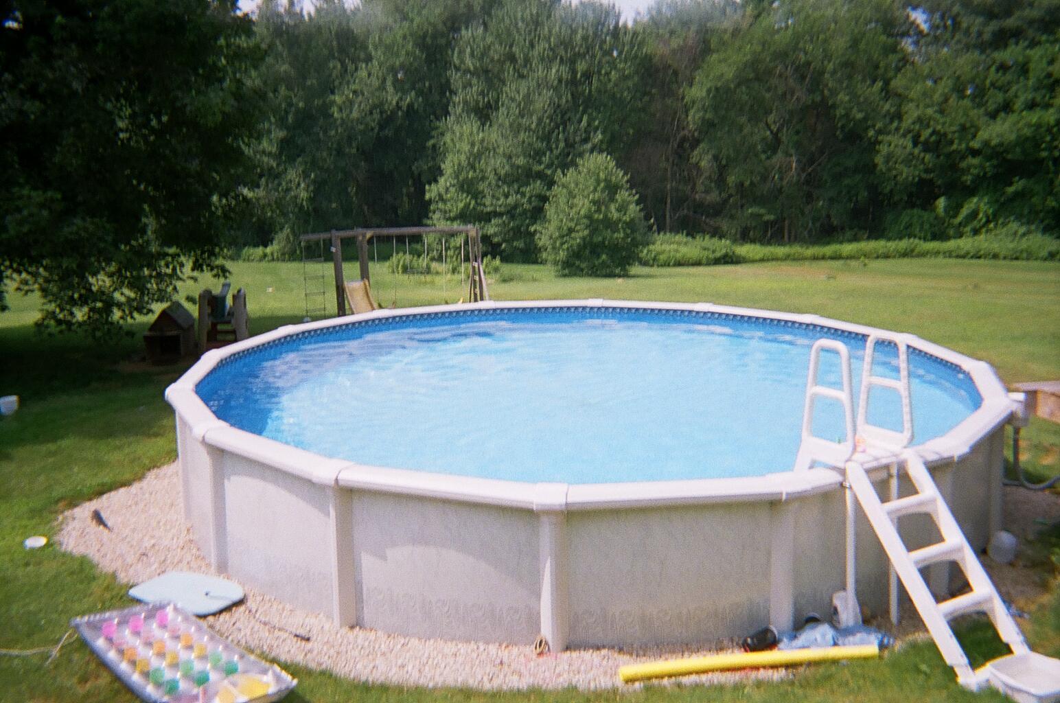 Piscina Su Terreno In Pendenza 12 domande sulle piscine fuori terra - prodotti per la casa