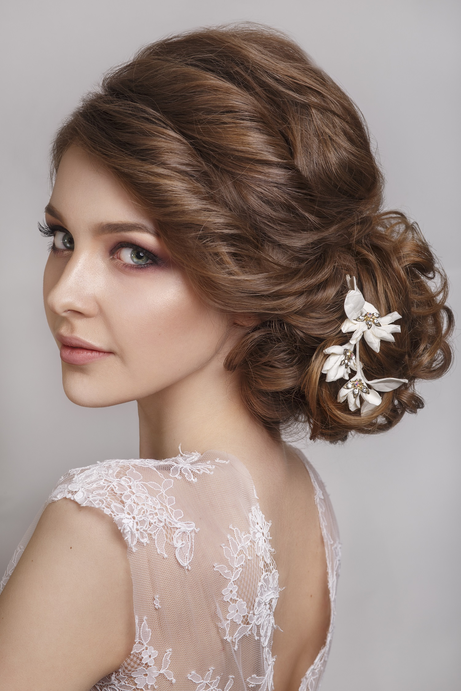 Choosing The Perfect Hairstyle To Match Your Wedding Dress Internet - Hairstyle with wedding gown