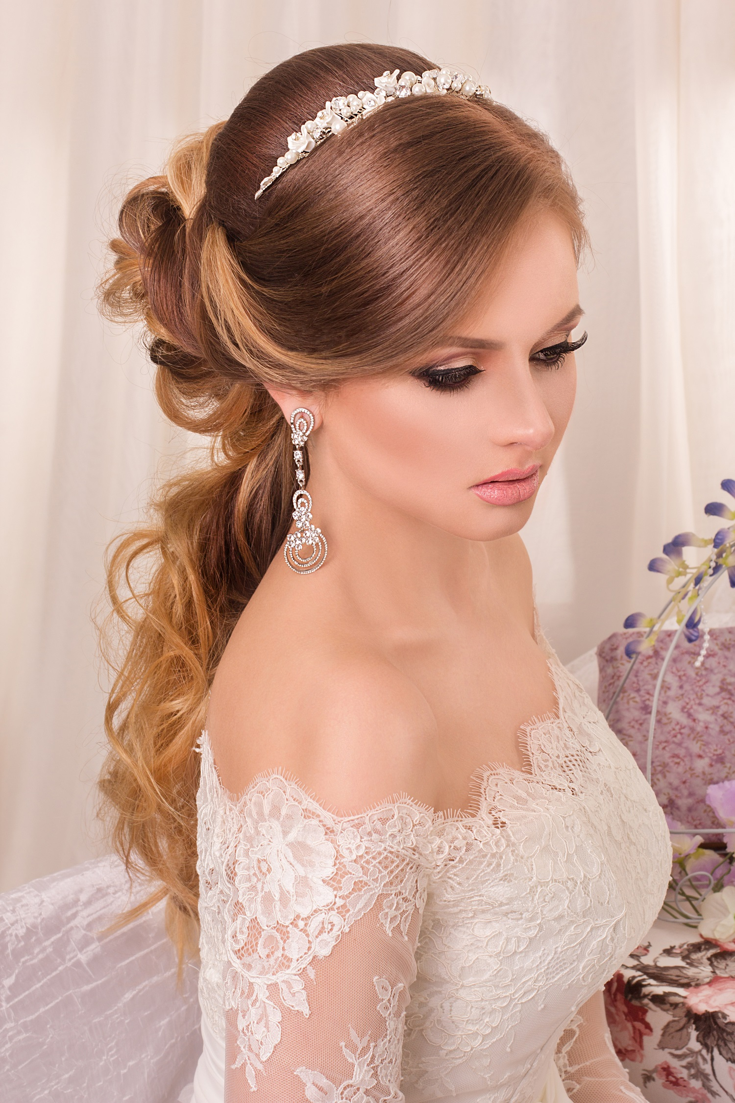 One wedding shoulder dress hair forecasting to wear for autumn in 2019