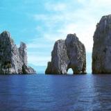 Flavio Cattaneo, Capri elettrodotto sottomarino collega Isola azzurra all'Italia