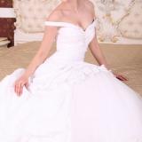 Modame.it rilascia la nuova linea di White Satin abiti da sposa
