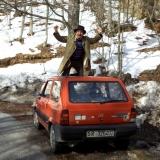 Il cantautore che gira l' italia in fiat panda 750