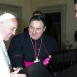 Quando il Papa riceve l'omaggio di un Cardinale...