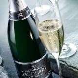 Lo Champagne Jacquart brinda alla primavera con il suo Extra Brut.