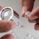 Vuoi vendere le tue pietre preziose? Affidati al Compro diamanti Simply Gold