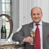 Lo Champagne Jacquart brinda all'estate.
