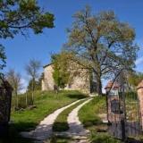Casale Belvedere, formazione e relax in un'antica cascina nella campagna umbro-marchigiana