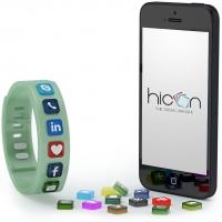 Hicon, il primo braccialetto con le icone social  per condividere le passioni