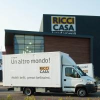 Ieri è iniziato ufficialmente un nuovo viaggio per Ricci Casa: gli store hanno aperto le porte di un