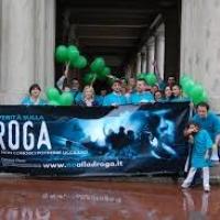 Distribuzione di opuscoli in tutti i Quartieri di Firenze per combattere il problema DROGA