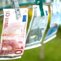 Italiani in difficoltà, ora i prestiti si richiedono senza la busta paga