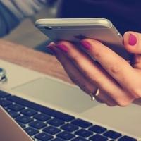 Investire in fondi azionari: online è meglio