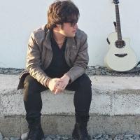 Francesco Agrelli in radio con il singolo Vado Via