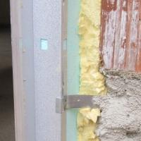 La posa in opera di finestre e serramenti: controtelai coibentati per prevenire ponti termici