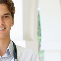 IMAT il test di ammissione universitaria per gli atenei in Italia dove Medicina si studia in Inglese. Scade il 23 luglio il termine per l'iscrizione