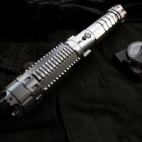 Combien de laser  puissant faudrait-il pour tuer un homme