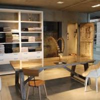 Al Centro Veneto del Mobile un negozio di abbigliamento cashmere