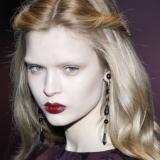 Styling capelli: stop ai tagli corti. Le donne preferiscono le lunghezze morbide.