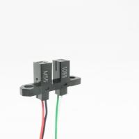 Omron semplifica l'installazione con i fotomicrosensori precablati