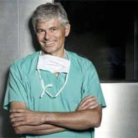 Dott. CARLO FARINA SPECIALISTA IN CHIRURGIA GENERALE interviene sui POLIPI COLON e altre patologie inerenti il COLON quali DIVERTICOLI e APPENDICITE