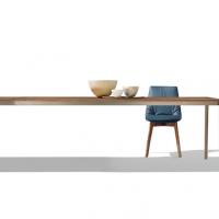 TEAM 7 presenta tak, il tavolo in legno ultrasottile