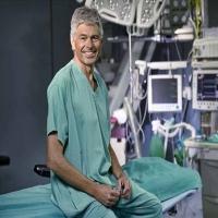 ERNIA ROMA il Dott. CARLO FARINA esperto in chirurgia mini invasiva per patologie quali ERNIA inguinale- femorale – ombelicale-  addominale laparocele