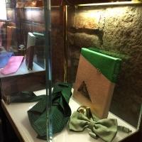 Le Opere di Giorgetti e le prestigiose cravatte Fusco esposte in via Montenapoleone 25 a Milano