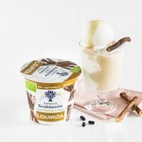 Il dessert è più invitante con lo yogurt Fattoria Scaldasole alla liquirizia