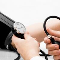 Dieta per ipertensione: no al sale, sì agli alimenti naturali