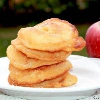 Una squisita ricetta per prepare le frittelle di mele