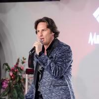 Angelo Seretti il cantante Friulano di nuovo in Classifica Radio Nazionale