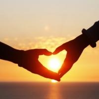 Amore, felicità e salute: tre variabili correlate tra loro che danno benessere psico-fisico