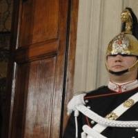 Matteo Renzi continua con le consultazioni Pd a Palazzo Chigi. Nuova faglia con Franceschini: governo leggero o pesante?