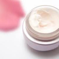 Cosmetici naturali a base di acido ialuronico