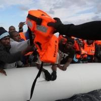 """Tra i migranti fermi in Libia: """"Il piano Ue non funziona. I soldi finiranno ai trafficanti"""""""