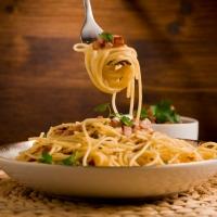 Un alleato per la tua alimentazione: l'olio extra vergine pugliese
