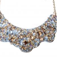 Eles Italia celebra la Festa della Donna con il prezioso stile dei suoi collier