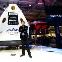 """TheCOSMOBSERVER analizza l'annuncio """"lunare"""" di Elon Musk"""