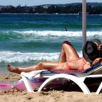 Prevenzione dermatologica, sotto al sole e non solo