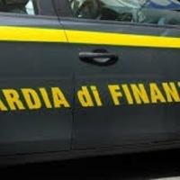 Spray al peperoncino illegali: la GdF chiude un e-commerce in Italia