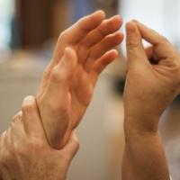 Bambini sordociechi: un gesto può cambiare la loro vita