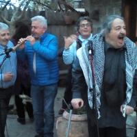 """Mariglianella Jam Session Folklorica nella tenuta di Tonino O' Stock. Il grido di Marcello Colasurdo: """"Meglio na' tammurriata ca na' guerra"""". (Scritto da Antonio Castaldo)"""