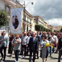 Brusciano la Questua del Giglio Croce-Passo Veloce per la prossima Festa dei Gigli in Onore di Sant'Antonio di Padova.  (Scritto da Antonio Castaldo)