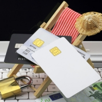 Carte di credito in vacanza: 10 consigli per evitare spese eccessive, truffe e raggiri
