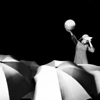 Le bagnanti: al teatro a l'Avogaria di Venezia ansie e nevrosi delle mogli borghesi