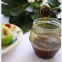 Tentazioni golose estive: il miele di fichi sul gelato